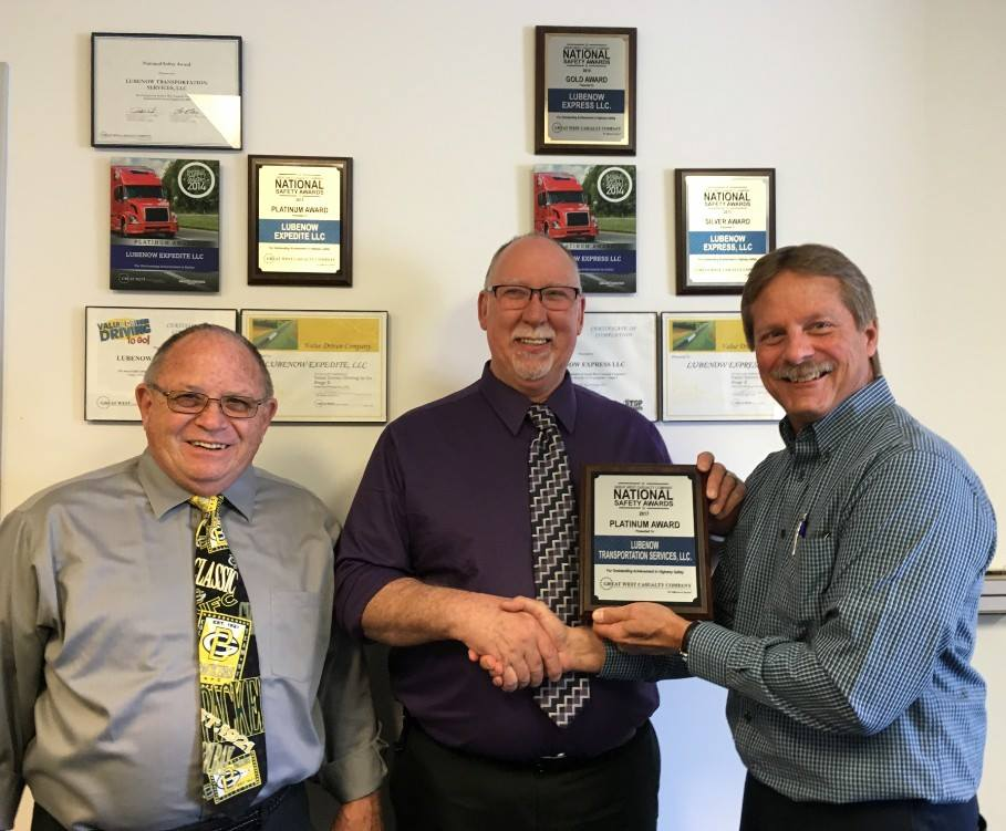 Dave Zander and Dave Boeder of Lubenow Companies, Inc. accepting a Platinum safety award.